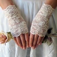 eldiven-parmaksız-dantel-gelin-eldiveni